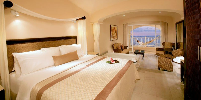 cozumel_palace_room